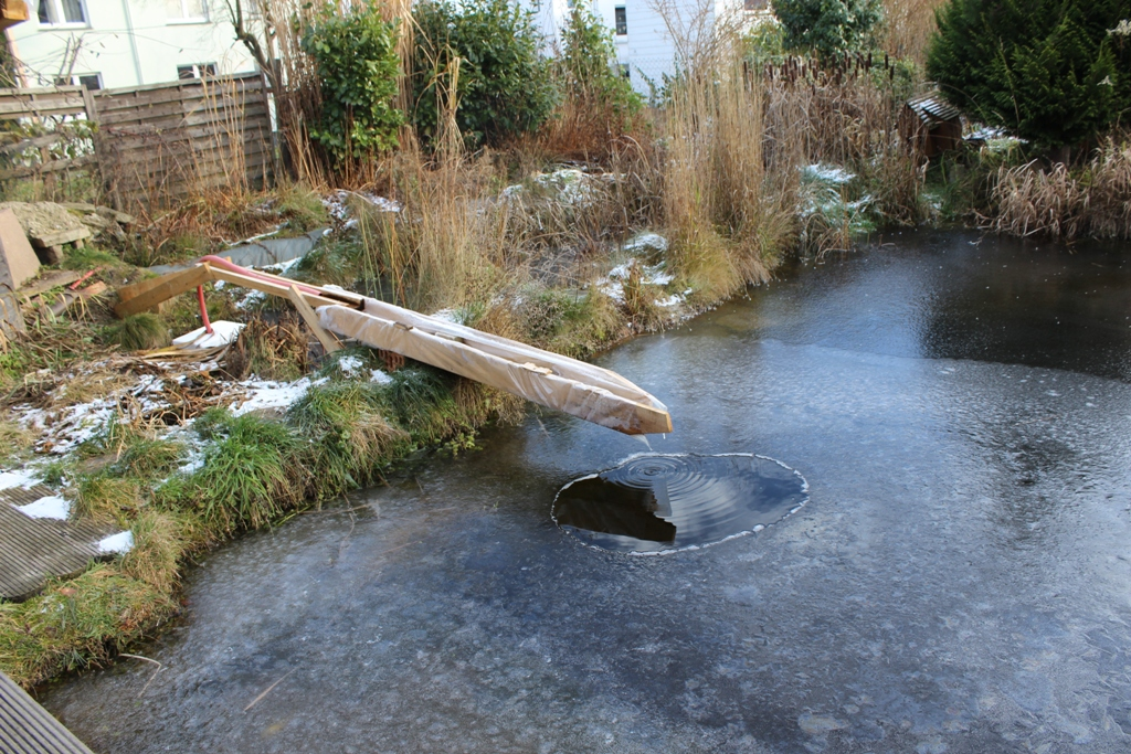 So mache ich meinen teich winterfest for Koi teich winter